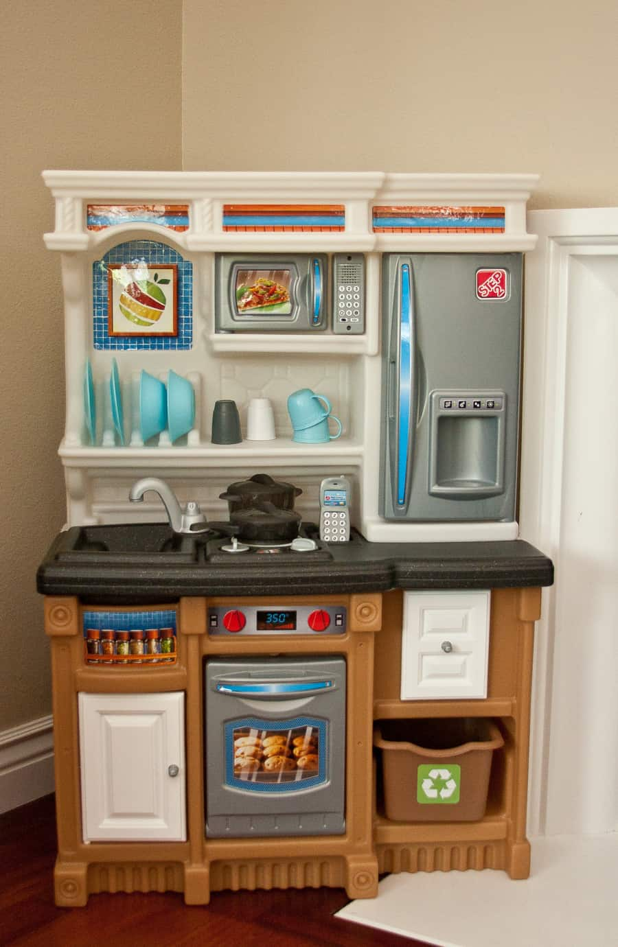 Step2 lifestyle custom kitchen review thrifty nifty mommy for Kitchen set step 2