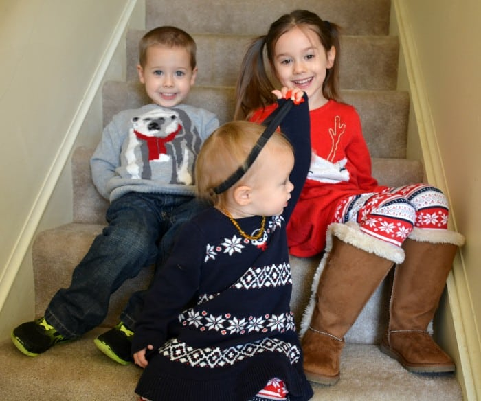 10fff99df ... I took advantage of it to dress them up in their adorable new holiday  outfits from Gymboree and head outside for some pictures. Here's how it  went down: