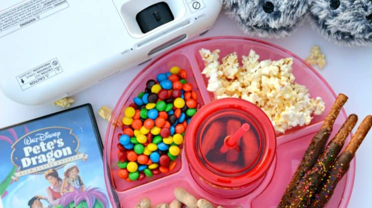How To Throw a Memorable Family Movie Night