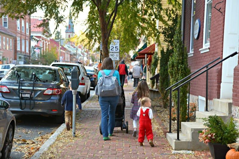 shepherdstown-walking