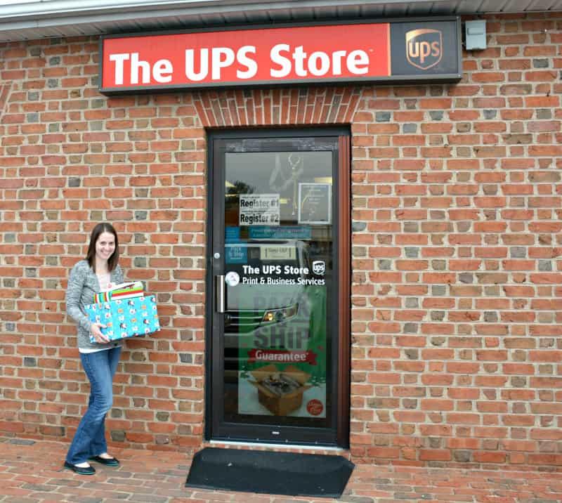 christmas-shipping-at-the-ups-store