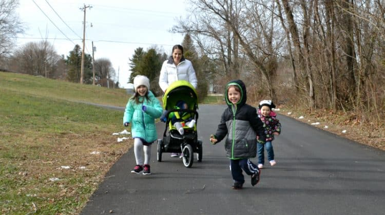 Practical Ways For Moms to Exercise with Their Kids