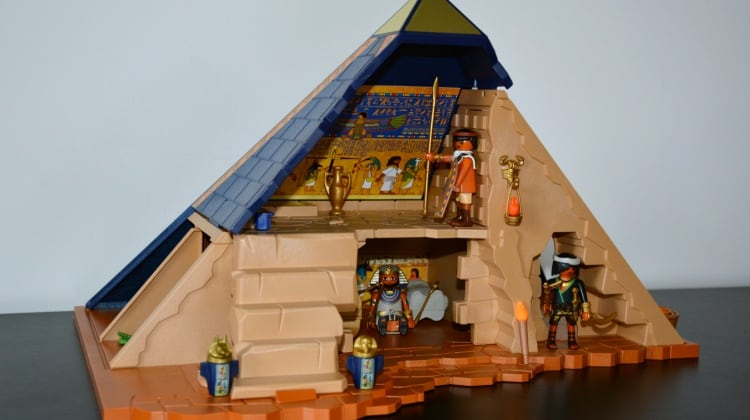 Make History FUN with PLAYMOBIL