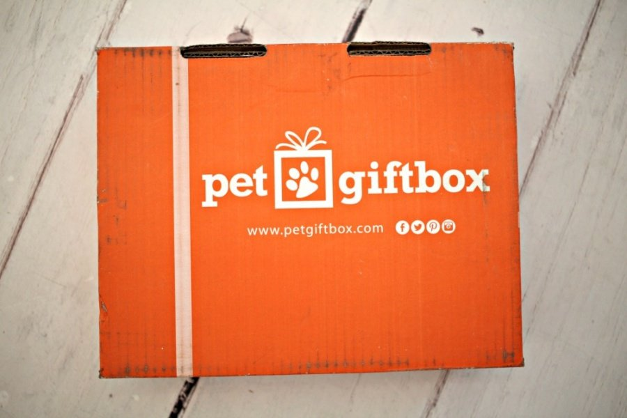 PetGiftBox - Cat Subscription Box {+ Discount}
