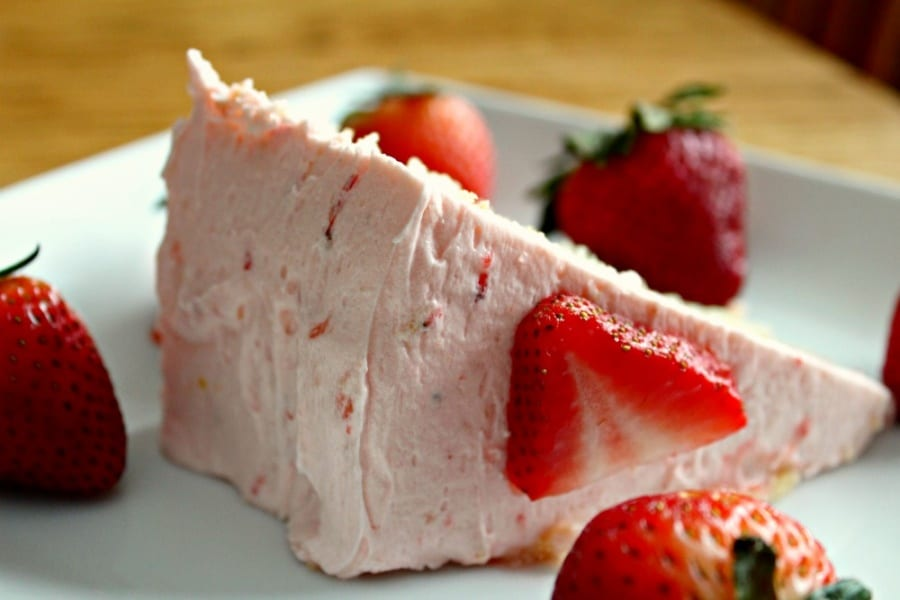Strawberry Lemonade Frosting Recipe {So Yummy!}