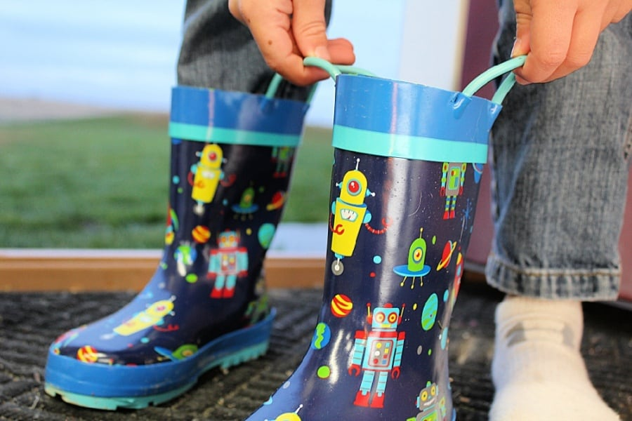 Outdoor Rainy Day Activities For Kids + Stephen Joseph Kids Rain Gear