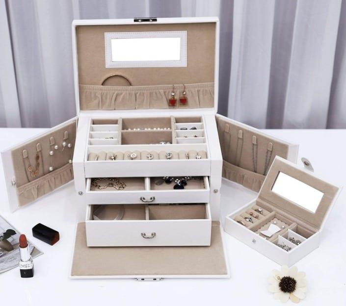 SONGMICS Jewelry Box Girls Jewelry Organizer Mirrored Mini Travel Case Lockable White UJBC121W