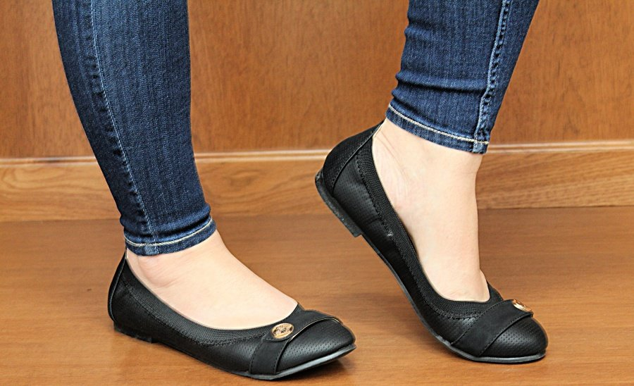 Tips To Get Through Christmas On A Budget & In Style - Camtrade Shoes