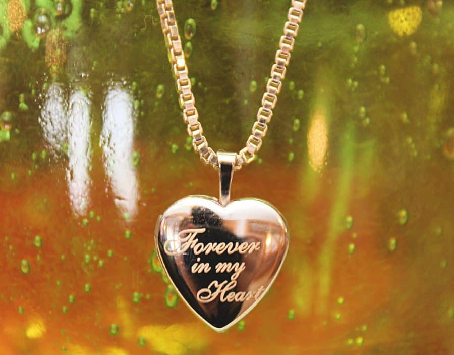 PicturesOnGold.com Heartfelt Valentines Day Gift (Review, Discount, & Giveaway)