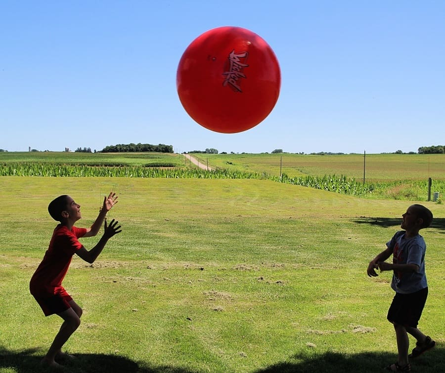 25 Affordable Or Free Kids Activities For Your Backyard{+ Homemade Giant Bubbles Recipe} Mega Bounce Ball