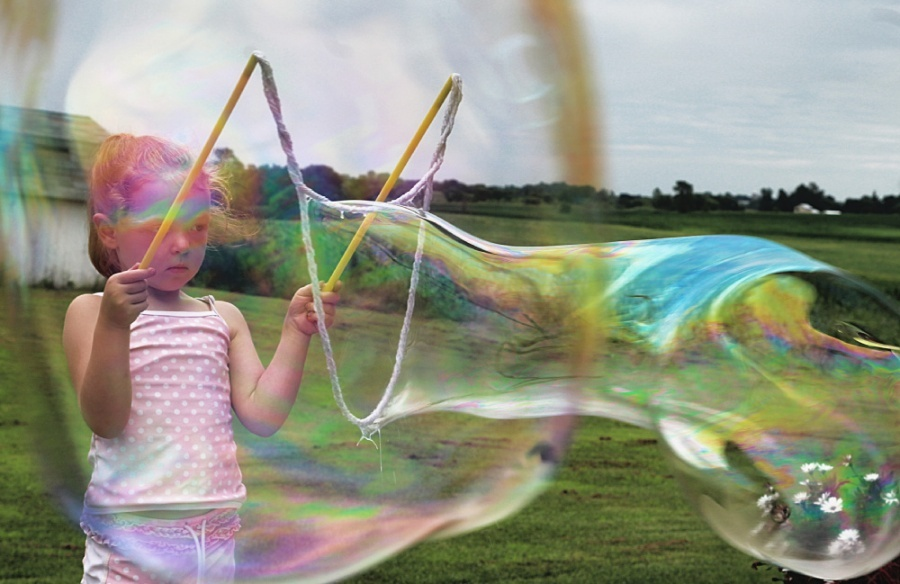 25 Affordable Or Free Kids Activities For Your Backyard - WOWmazing Bubble Wand & Giant Bubbles (affordable backyard fun)