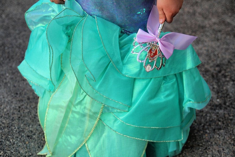 Chasing Fireflies Unique Halloween Costumes For Kids - The Little Mermaid