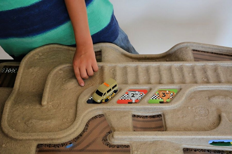 Simplay3 Carry and Go Track Table