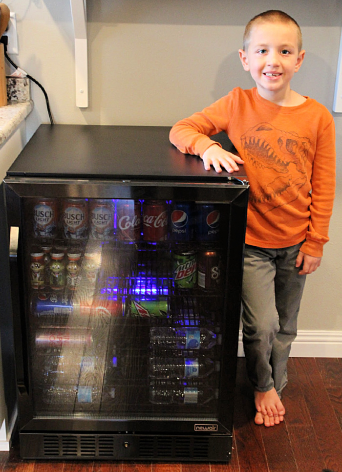 "NewAir 24"" Built-in 177 Can Beverage Fridge Review 11"