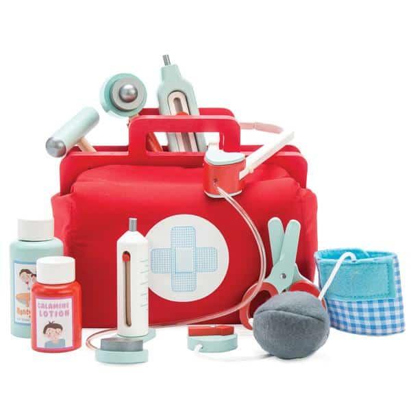 Le Toy Van's Doctor's Medical Set