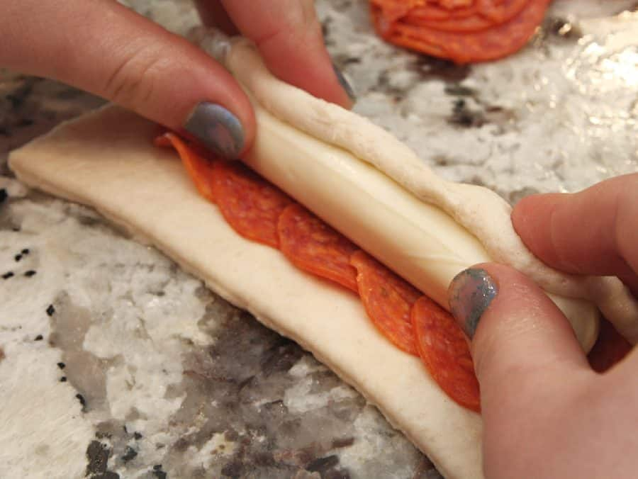 Cheesy Pepperoni Sticks Recipe
