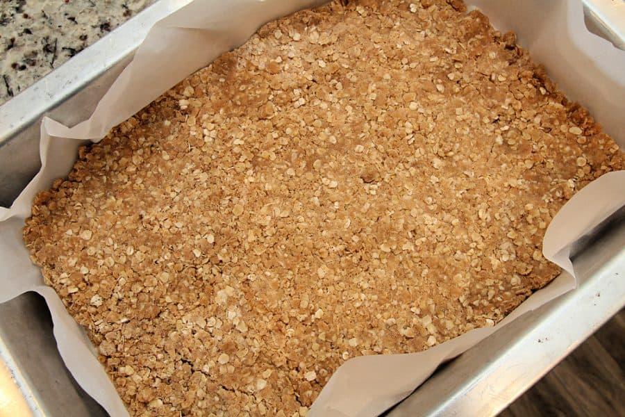 Crust - Healthy Oatmeal Strawberry Bars Recipe