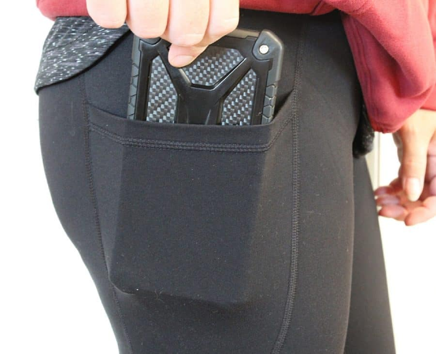 pants with phone pocket - Love And Fit Activewear For Moms - 12 Simple Ways To Love Yourself As A Mom