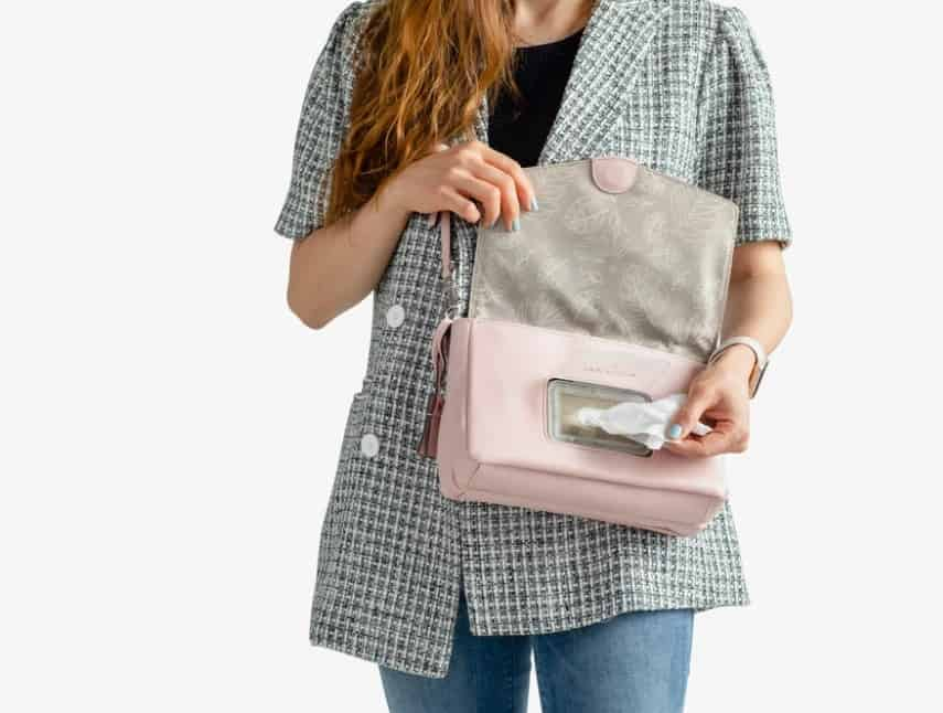 Lady holding purse open