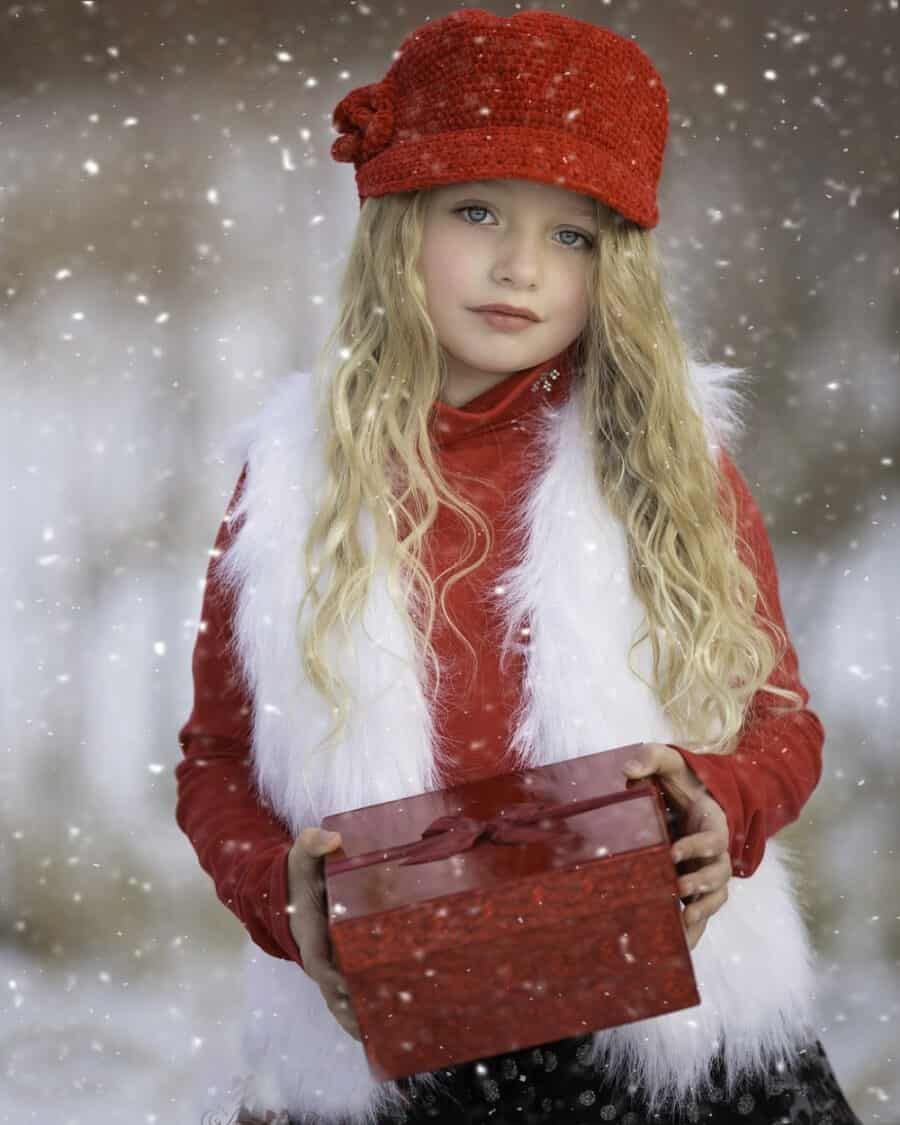 girl with present - 20+ BEST Kids Educational Gift Ideas
