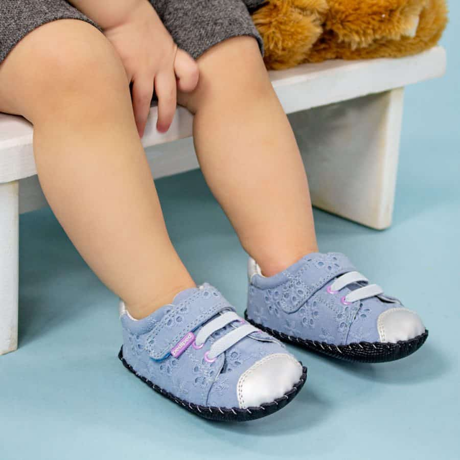 child with shoes - pediped Shoes Giveaway (Win A Pair Of Kids Shoes!)