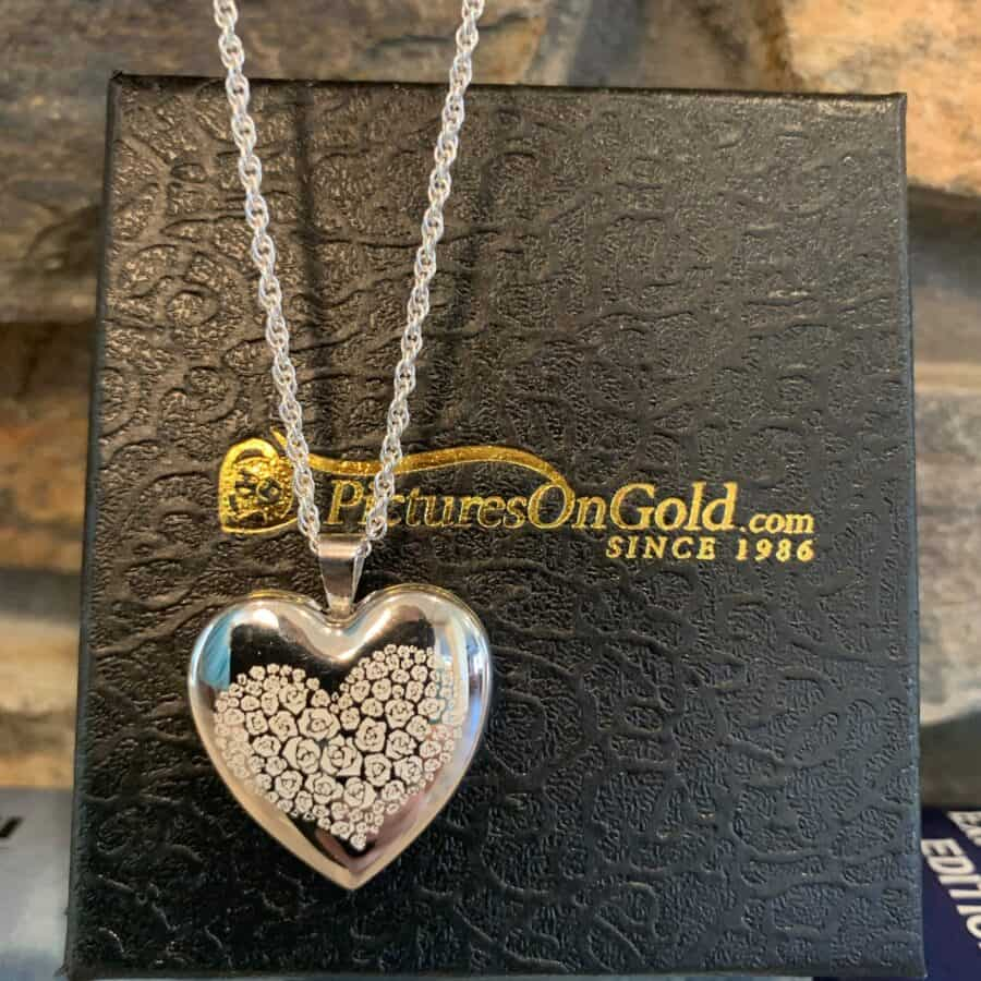 PicturesOnGold.com Locket