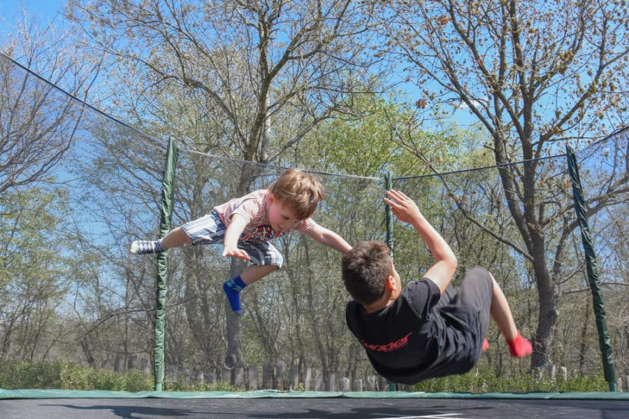 kids on trampoline - The Best Gifts for Active Kids