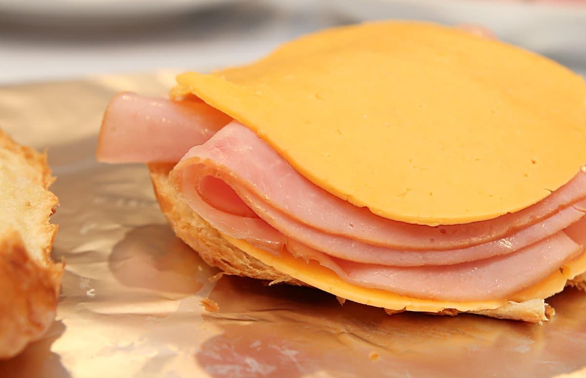sandwich - Hot Ham and Cheese Crockpot Sandwiches Recipe