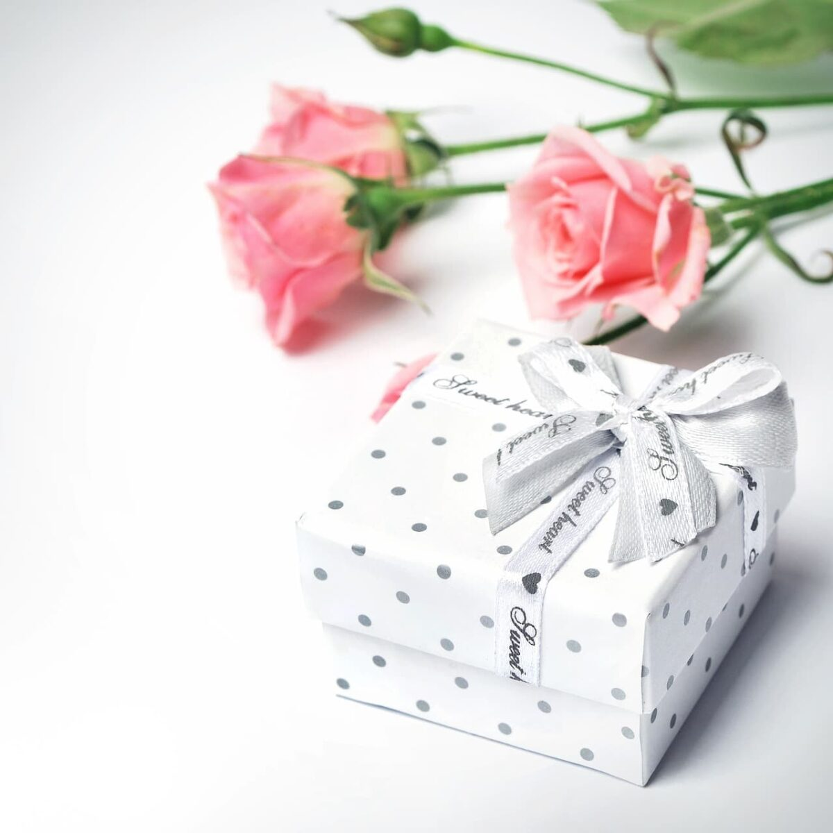 Valentine's Gift Ideas For Men and Women