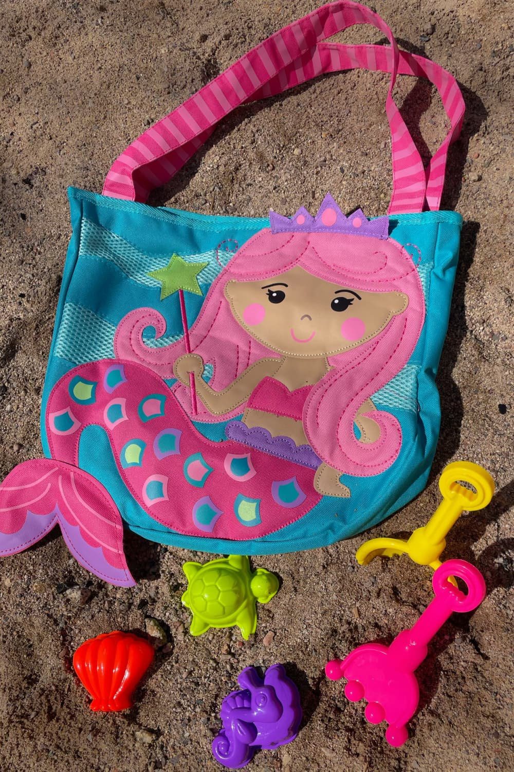 Beach Tote 5 Must Haves When Traveling With A Toddler