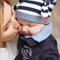 mom and baby - 5 Thoughtful Mothers Day Gifts For A New Mom