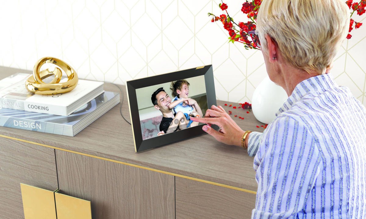 New Nixplay Smart Photo Frame 10 inch Touchscreen Now Available